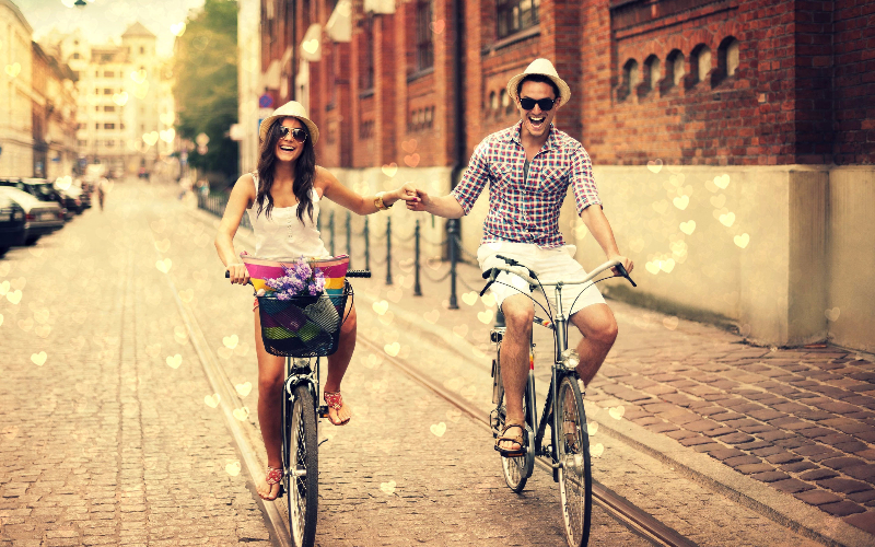 Cuplurile care rad mult  sunt optimiste incurabile si  au o viata mai lunga.